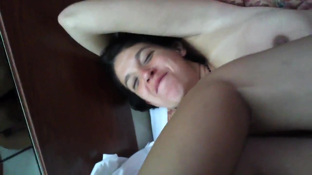 Amateur Wife First Squirt
